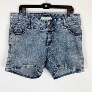 "Torrid Shorts 16 Denim Jean Acid Wash 5"" Inseam"